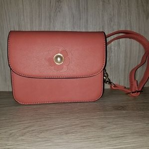 Marc New York Pink crossbody with pearl flower EUC